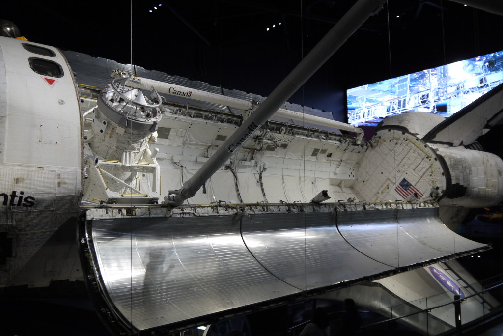 Shuttle Atlantis, c Nick Leghorn